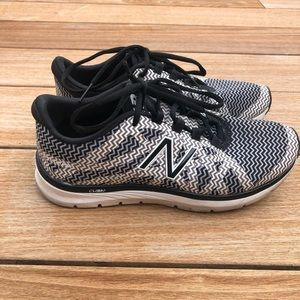 New Balance sneakers, size 6.5